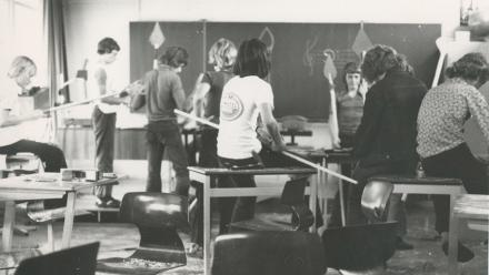 Scapino op school (fotograaf onbekend)