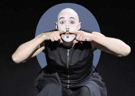 Holland en Le Chat Noir - foto Hans Gerritsen - dancer Mischa van Leeuwen