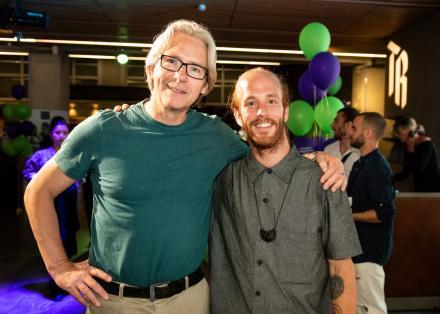 Artistiek leider Ed Wubbe samen met winnaar Scapino Production Award Diego Sinniger de Salas