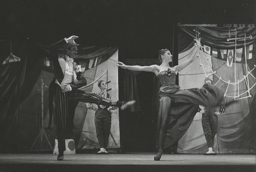 De Wonderfluit geschreven door Henk Dragstra | choreografie Jan Rebel en Hans Snoek (foto Hans van den Busken)