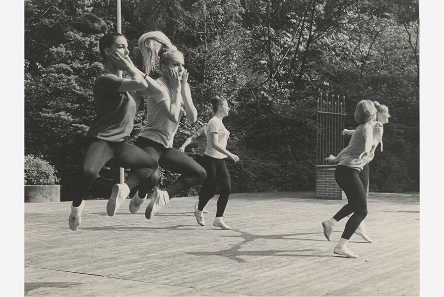 Haken en Ogen   choreografie Greetje Donkers (fotograaf onbekend)