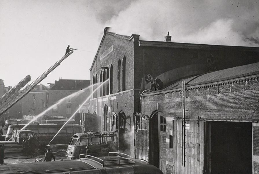 Brand in het Weesperpoortstation (foto Stadsarchief Amsterdam / G.L.W. Oppenheim)