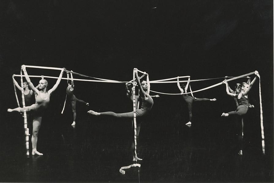 Carambole   choreografie Jose Guttierez (foto Jorge Fatauros)