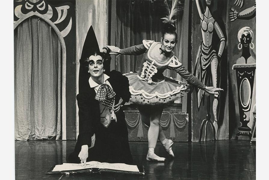 Coppelia   choreografie Armando Navarro (foto Jorge Fatauros)