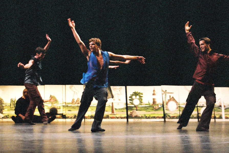 Four For Nothing   choreografie Amanda Miller (foto Hans Gerritsen)