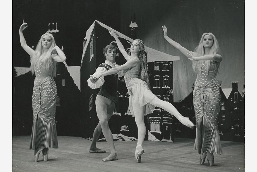 Het meisje met de zwavelstokjes | choreografie Jan Rebel (foto Jac. B. Rieder)
