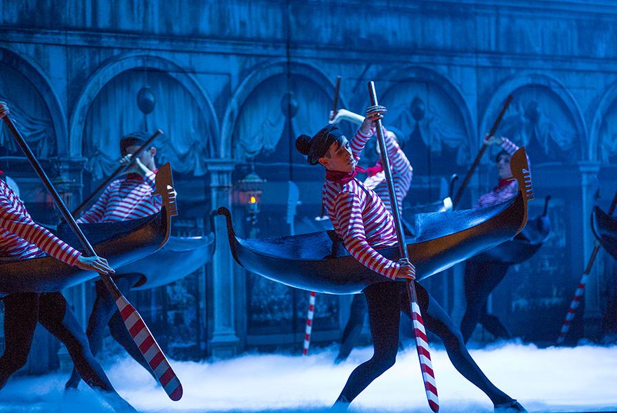 Les Fêtes Vénitiennes | regie Robert Carssen | choreografie Ed Wubbe (foto Nienke Elenbaas)