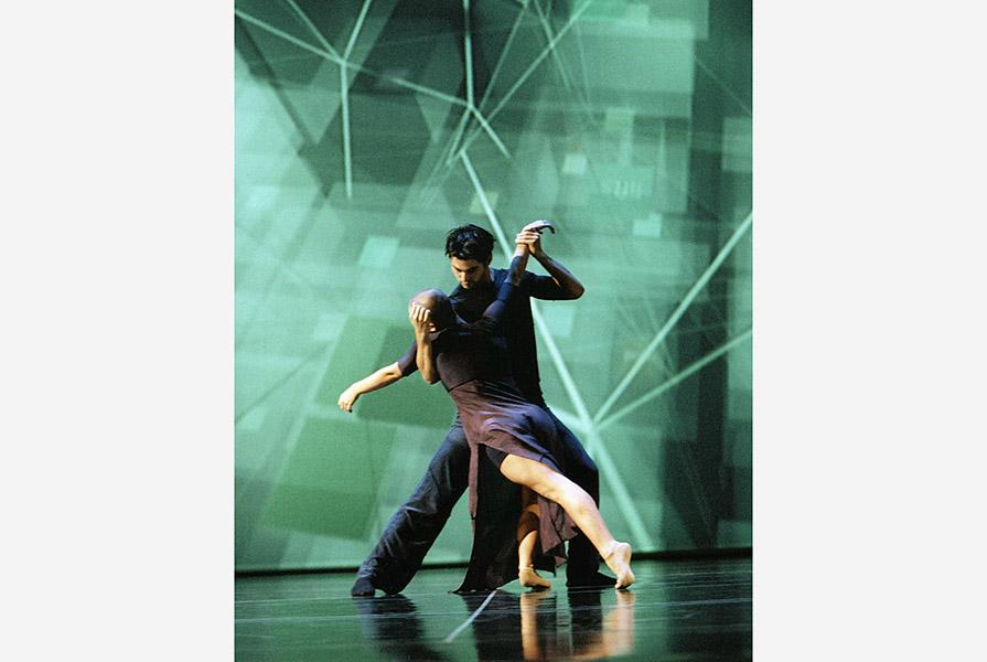 Manyfacts, live in the 3D city | choreografie Ed Wubbe | stage design MVRDV (foto Hans Gerritsen)