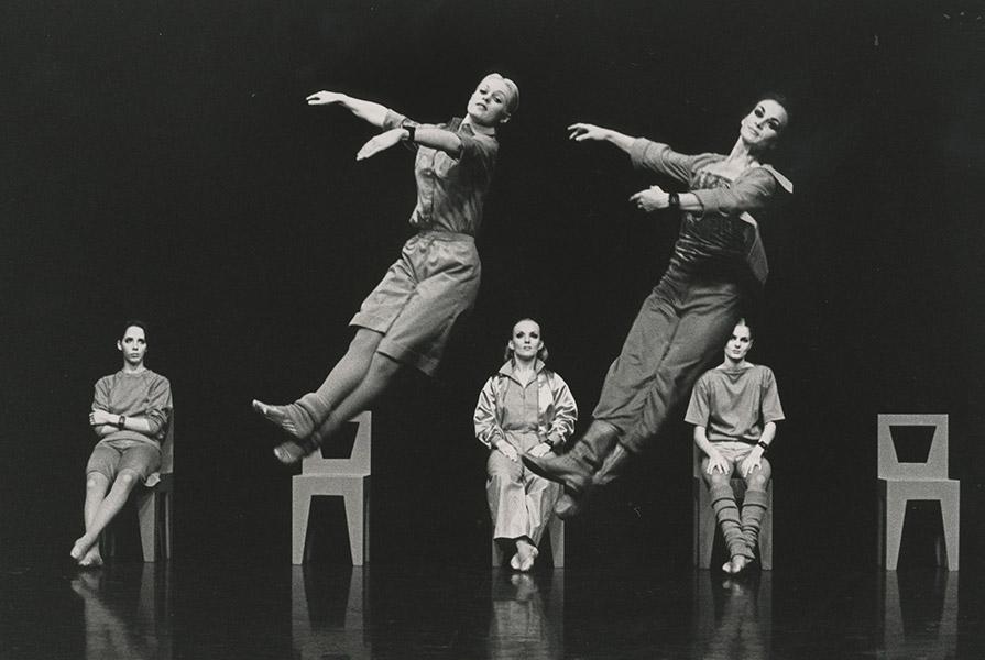 Masquerade   choreografie Hans Tuerlings (foto Jorge Fatauros)