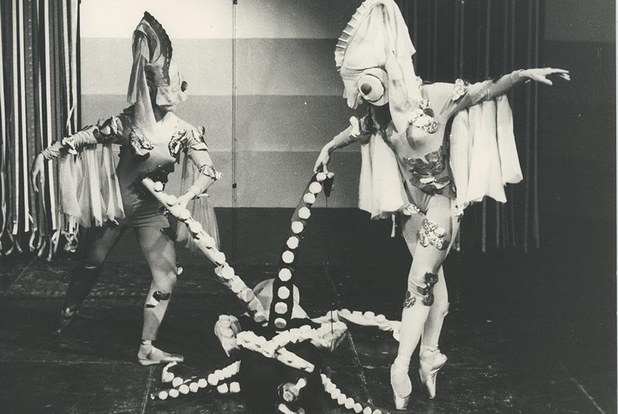 Mensen, Dieren en Dansen | choreografie Hans van Gulik (fotograaf onbekend)
