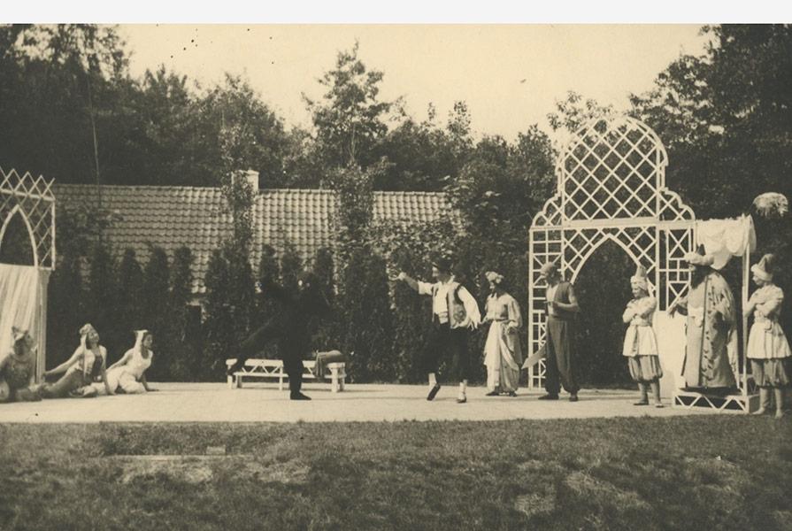 Pasja en de Beer   Choreografie Hans Snoek (fotograaf onbekend)