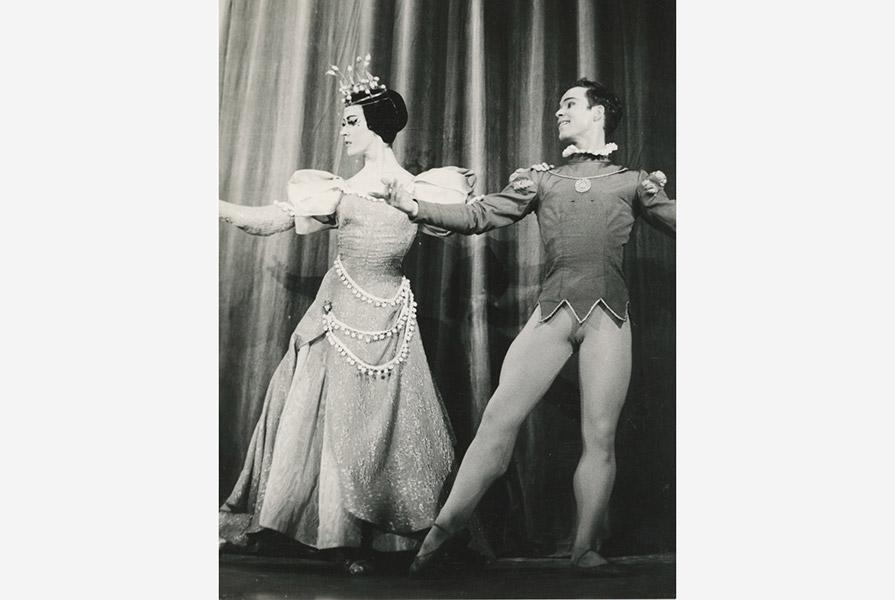 De Prinses op de Erwt   choreografie Jan Rebel (foto Gerard Herbert)