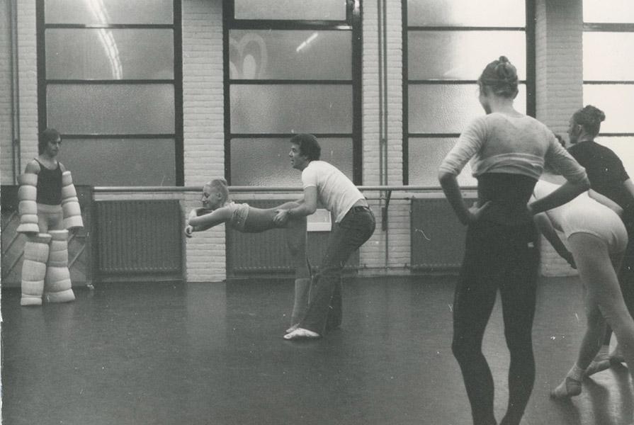 Repetitie met Hans van Manen (fotograaf onbekend)