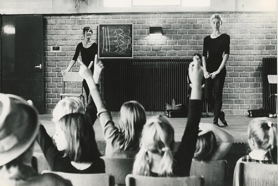 Scapino voor de klas (foto Coen Heer)