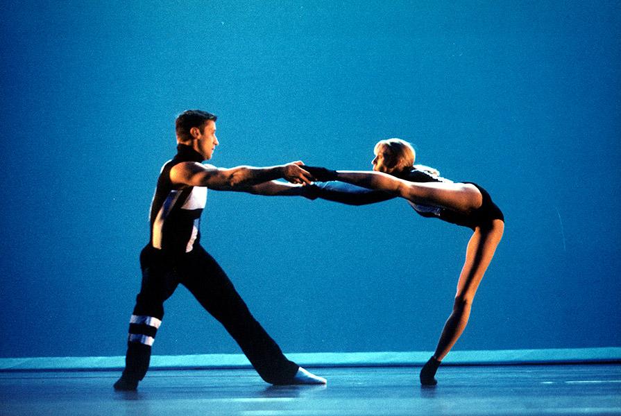 Opening Doors - TWOOLS   choreografie Inma Rubio Tomas (foto Hans Gerritsen)